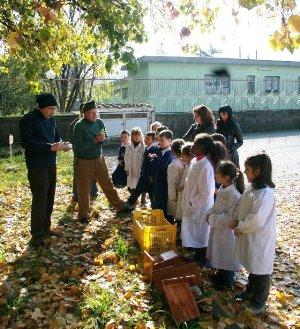 Il giardino, i bambini, le maestre