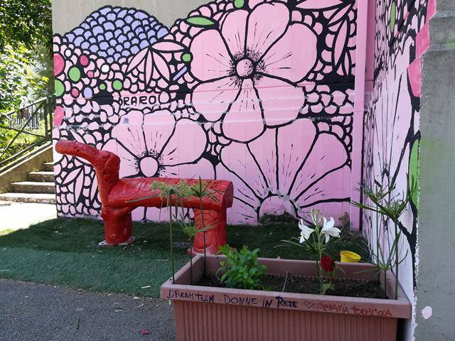 Tornata la panchina rossa per le vittime di femminicidio